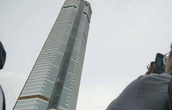 赛格大厦晃动最新消息 赛格大厦什么时候建的