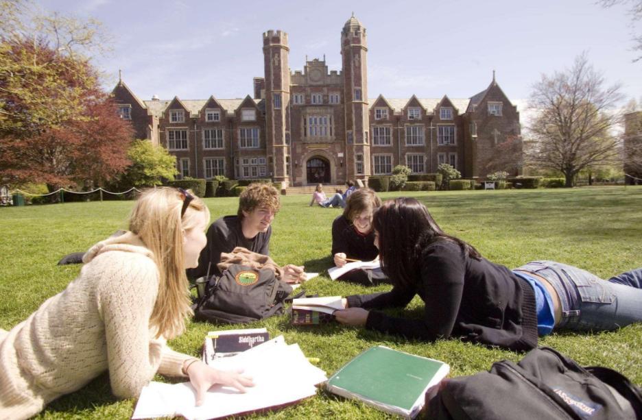 """2021年疫情形势下""""出国留学""""与不出国读书的区别在哪里? 哪一个更好?"""