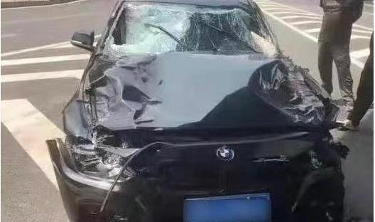 大连撞人轿车7秒内时速冲到108公里 大连男子驾车撞死5人:系报复社会