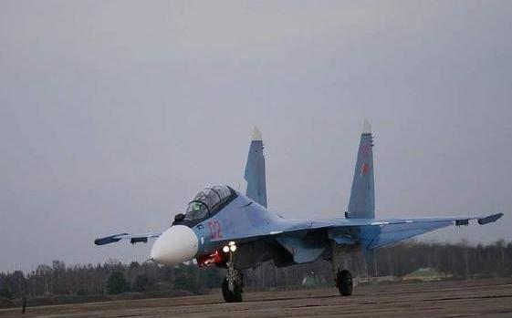 客机飞经白俄罗斯遭战机伴飞并迫降 白俄迫降航班抓捕反对派记者