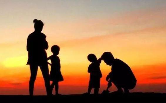 二胎家庭如何平衡两个孩子之间的关系 二胎家庭怎样联系孩子间的感情