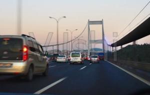 高速驾车有哪些注意事项?高速开车一定要严格遵守高速道路驾驶规定!