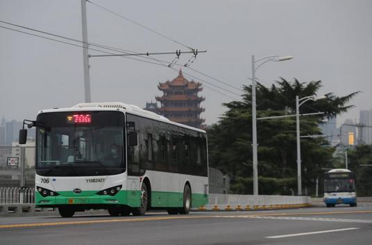 武汉公交车=神奇?其实很平凡,就在你我身边