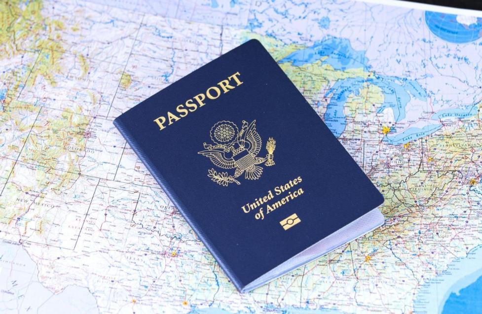 美国留学毕业后可以在美国呆多长时间?两种美国留学签证有何区别呢?
