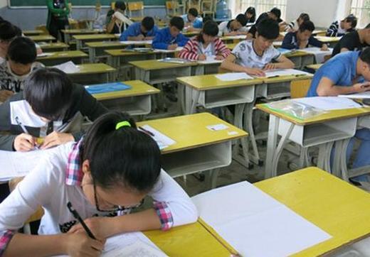 孩子考试不给我说 孩子考试不愿意告诉家长孩子考砸了父母该如何应对?