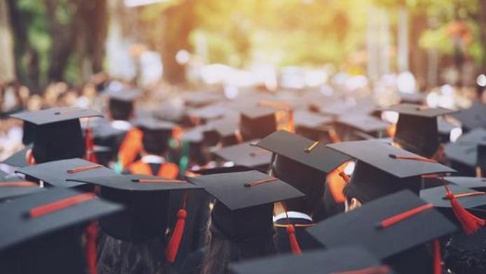 """2021年全国普通高校毕业生达909万人 如何从""""能就业""""到""""就好业"""""""