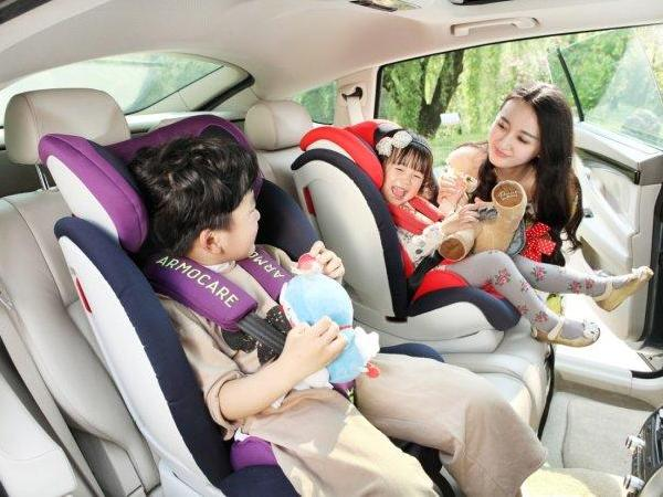 儿童安全座椅立法有用吗 儿童交通安全只靠儿童安全座椅就够了吗?