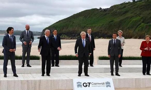 韩国宣传G7合影时裁掉南非总统? 韩国宣传G7合影时裁掉南非总统是怎么回事?