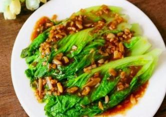 适合夏季食用的蚝油生菜做法 怎么保证生菜更加翠绿?怎么做味道更香?