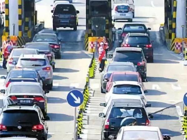 交通运输部等三部门:全面推广高速公路差异化收费 高速公路差异化收费是什么意思