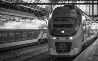 中国正在打造时速400公里的高速列车充电15分钟,续航400公里!
