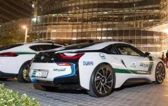 迪拜的警车到底有多壕?迪拜警察和民防部队将引入丰田2022陆地巡洋舰300
