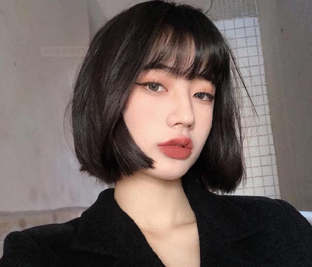 2021年夏季女生最新短发造型推荐,减龄不说还很洋气脸大的女生也很适合