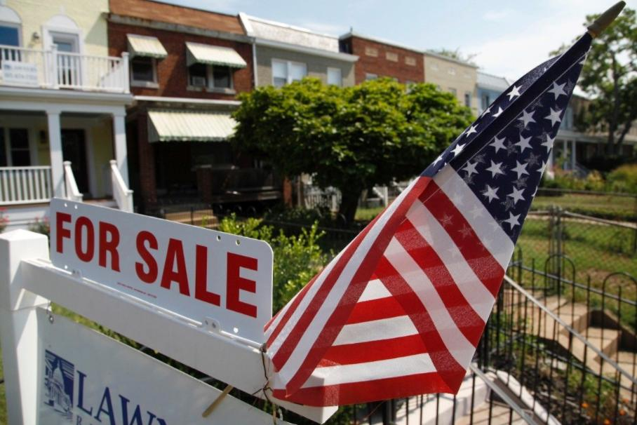 美国客抢房抢疯了?美国楼市空前狂热离泡沫破裂还有几步?