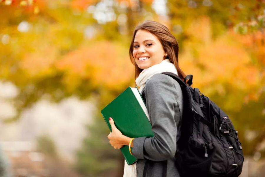 2021年美国哪些学校提供双录取?美国学校的双录取适合什么样的留学生?