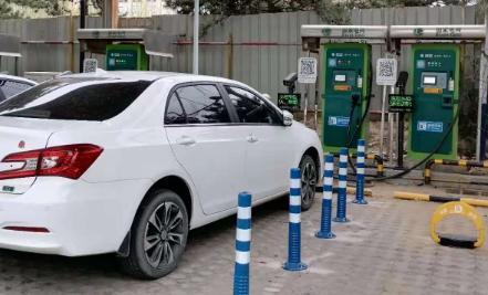 北京市《停车场(库)运营服务规范》7月1日起实施不是绿牌车,地锁不放行