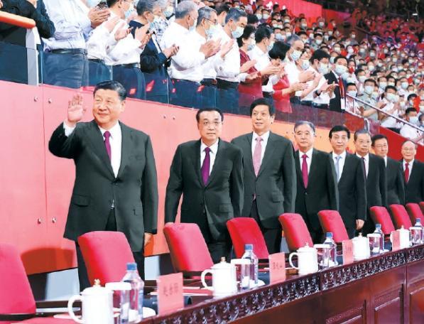 国家体育场上空绚烂焰火盛放 庆祝中国共产党成立100周年演出焰火