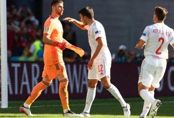 世界杯冠亚军欧洲杯同日出局! 两场比赛狂轰14球 世界杯冠亚军同时出局