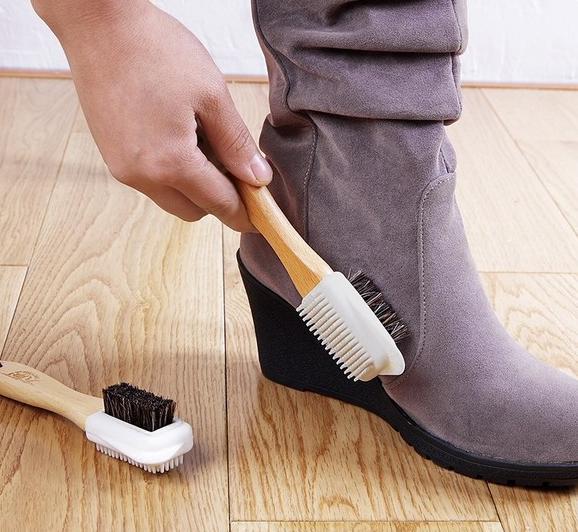 麂皮鞋怎么清洗最好可以不伤鞋子?麂皮鞋平时最好怎样保养?