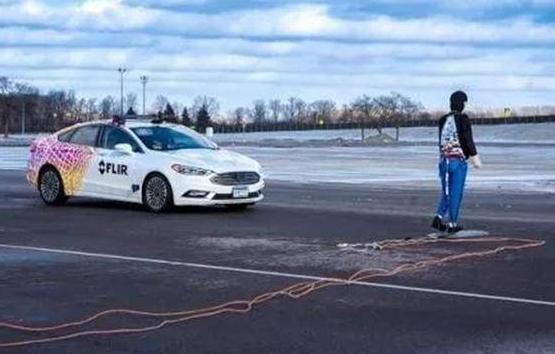 车外行人的安全引起广泛重视 比亚迪汉EV行人保护实力不凡