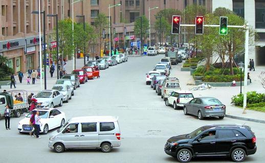 开车不小心闯了红灯怎么办? 开车不小心闯了红灯这样处理可以免除扣分!