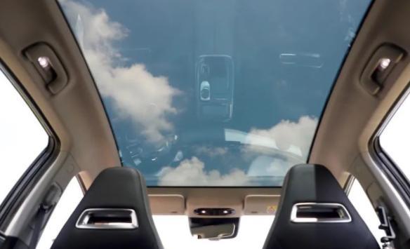 智能可调光全景天幕科技感十足 智能可调光全景天幕值得选装吗?