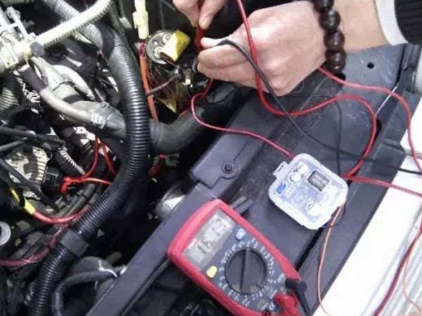 【电压不稳怎么办】汽车电压不稳怎么办?汽车电压不稳的原因是什么?