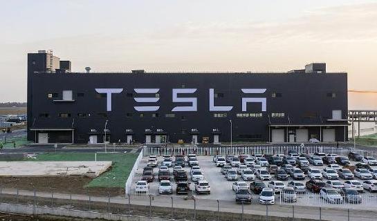 特斯拉续约宁德时代到2025年 特斯拉续约宁德时代依旧想自产电池这条路走到通吗