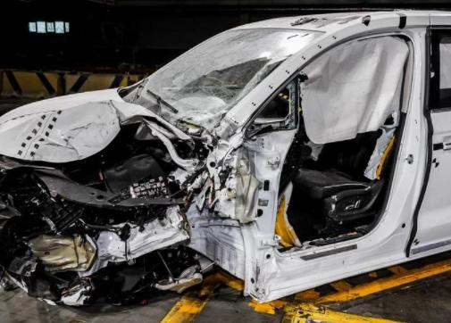 荣威汽车中保研碰撞测试成绩单已出 荣威汽车碰撞测试成绩优秀质量经受住了考验
