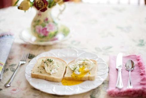 早餐什么容易影响血管健康?夏季早餐怎么吃对血管才好?