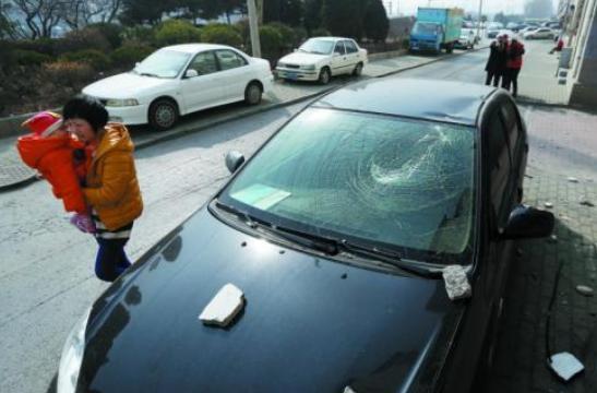 【汽车玻璃险】汽车玻璃险要上吗?汽车玻璃险一年可以理赔几次