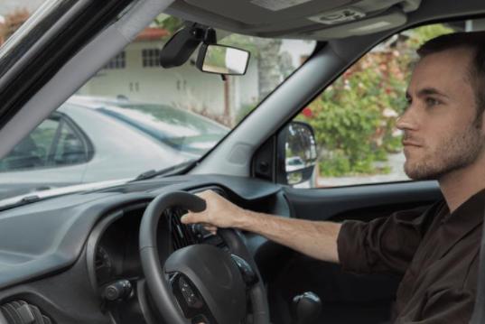 转弯技巧也有很多不同的讲究!很多新手司机都还不会
