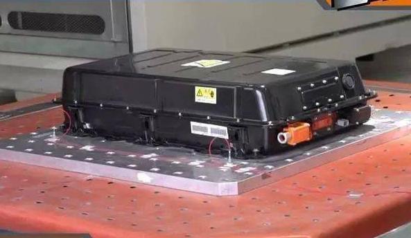 电池荒情况日益严重 电池荒的局面下车企排队定电池