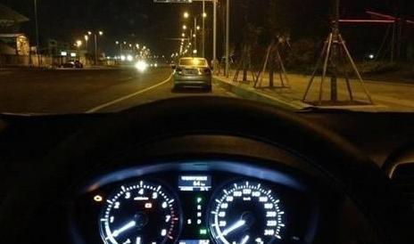 开车有这7个好习惯的都是高手 这些技巧你会几个?