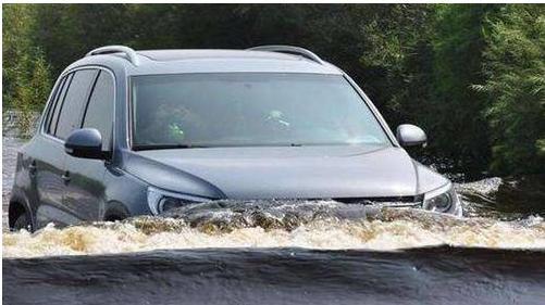 自动挡车涉水没熄火有事吗?自动挡车过深水区怎么开