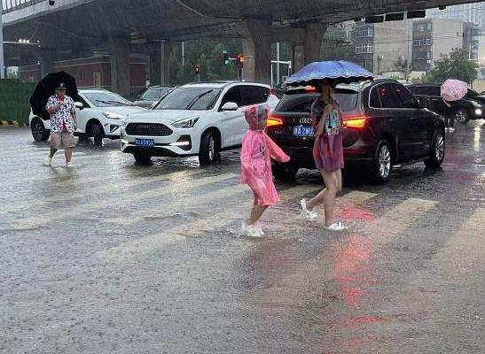 最新消息河南遭遇极端强降雨 河南遭遇极端强降雨多家景区关闭