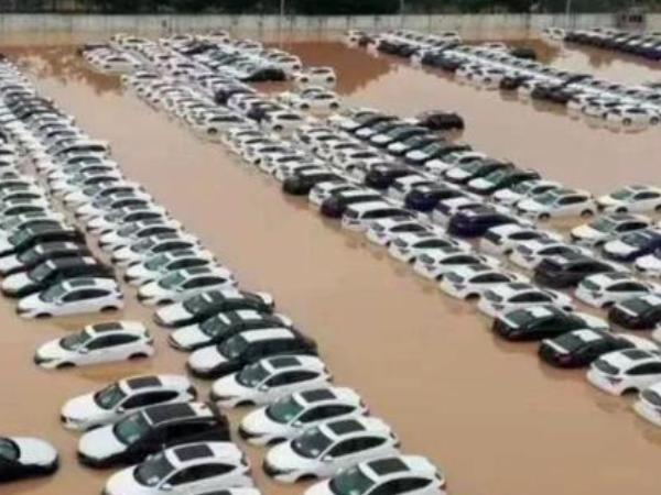 郑州汽车业遭受严重打击 郑州汽车业停工停产投身救灾