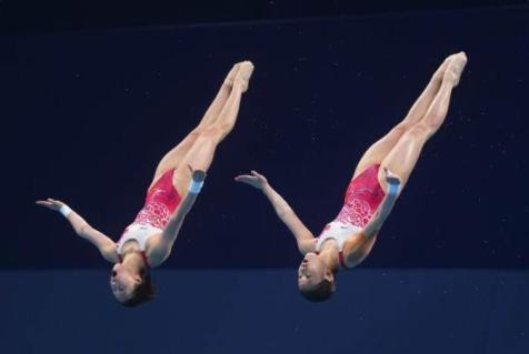 """奥运10米跳台夺金的上海女孩 是世界冠军也是小""""学霸"""""""