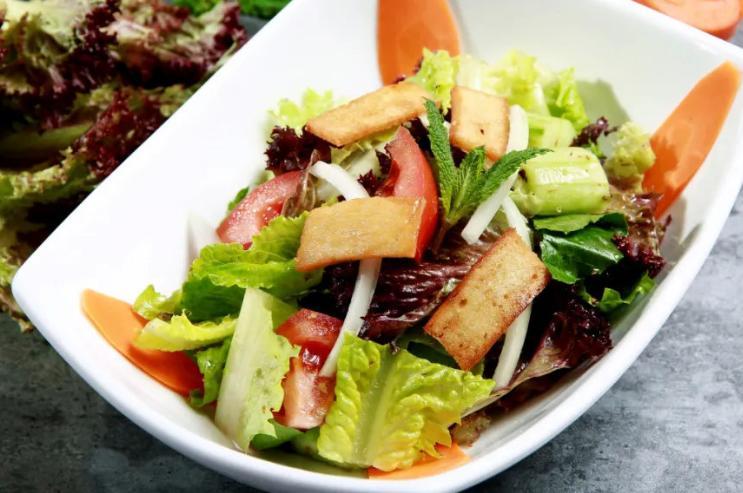 凉拌菜也有安全隐患?为什么吃凉拌菜易引发志贺菌食物中毒?