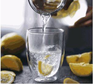 天天喝柠檬水能变白吗? 柠檬水一天喝几杯最好