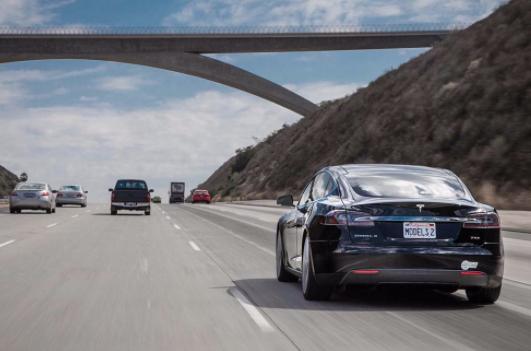 刚买的新车驾驶要注意什么 前2500公里要温和驾驶