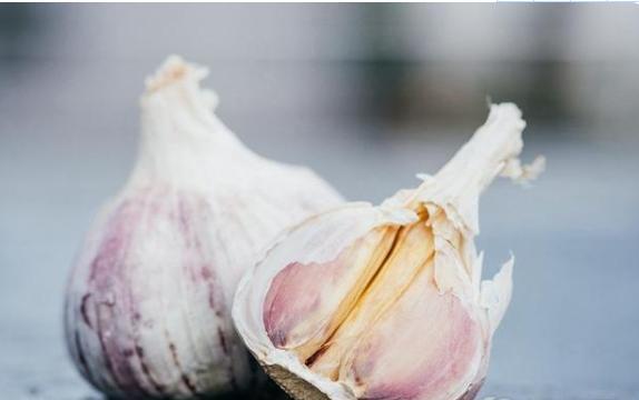 多吃大蒜对身体有什么影响?常吃大蒜对身体有什么影响?