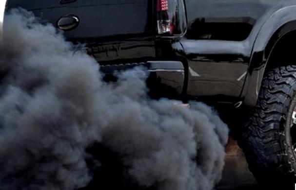 汽车排气管尾气冒烟是怎么回事? 汽车排气管尾气颜色分别对应什么问题?