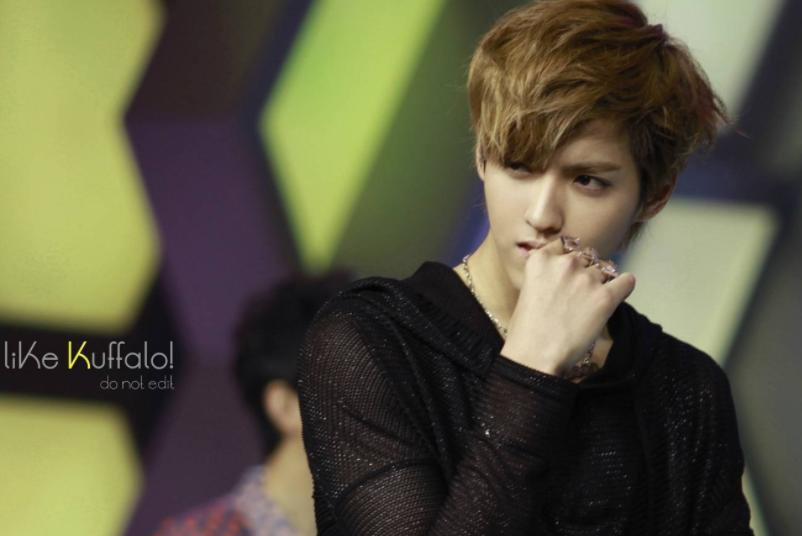 EXO参与录制的四期快本被下架,是受到吴亦凡的影响吗?