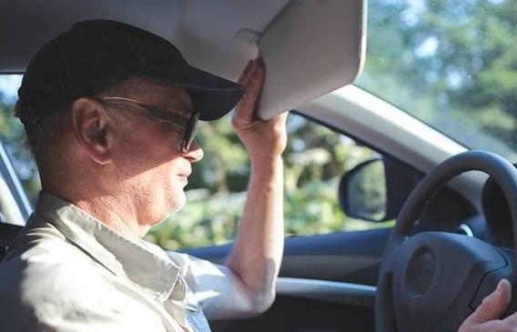 夏季阳光强烈影响开车怎么办 以下几个方法能良好解决问题