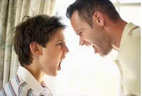 父母情绪控制不住不要忽视 父母情绪控制不住会对孩子造成什么不利影响?