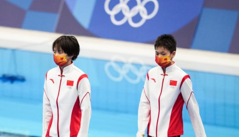 14岁全红婵10米台夺金 全红婵参加的正式赛事不到10场