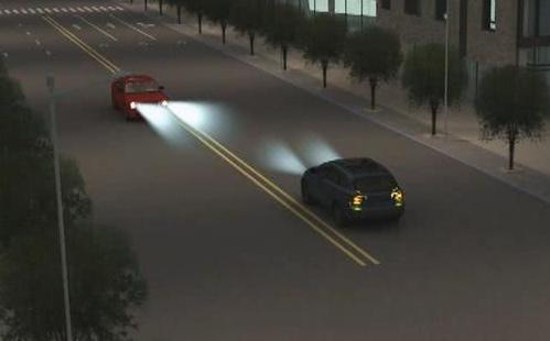 老司机教你怎么识别和使用灯语 学会路上行车更加方便安全