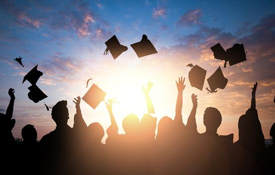 成人考试一般几月份开始  成人自考本科如何选学校