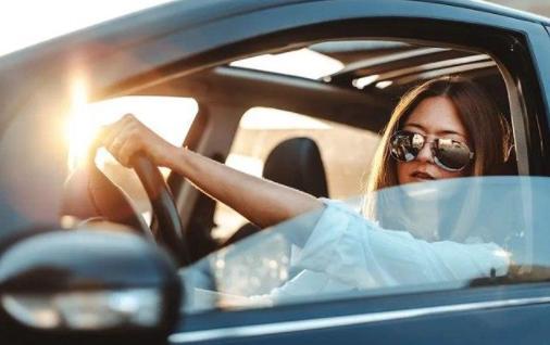新手不知道的几个省油误区 这么开车可能会增加油耗
